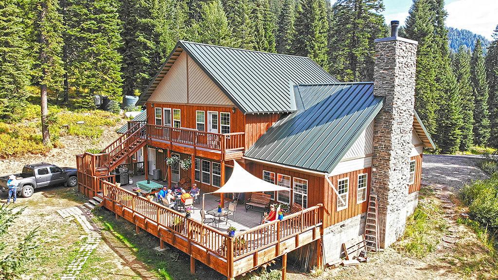 Cornucopia Lodge & Pack Station